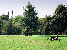 220px-Hasenheide-Moschee-18780030-a-Mario_Duhanic